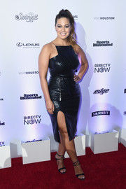 Ashley Graham completed her head-turning look with strappy black heels by Gianvito Rossi.