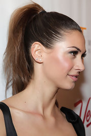 Melissa presented us the perfect red carpet-worthy ponytail with this spunky 'do.