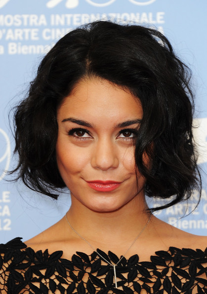 More Pics of Vanessa Hudgens Short Wavy Cut (5 of 38) - Short Wavy Cut Lookbook - StyleBistro