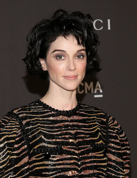 St. Vincent Short Curls [hair,face,hairstyle,eyebrow,beauty,chin,lip,forehead,shoulder,black hair,arrivals,annie clark,california,los angeles,lacma,st. vincent,lacma art film gala]
