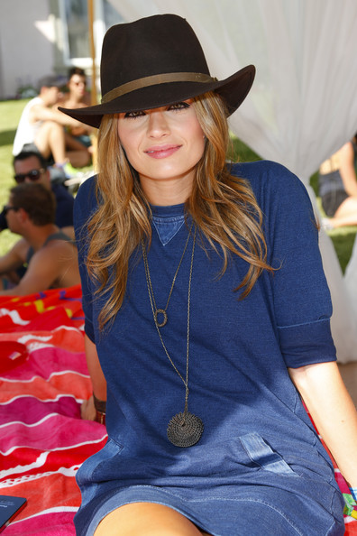 Stana Katic Oversized Pendant Necklace