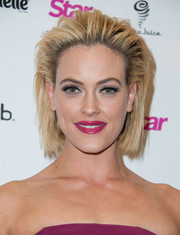 Peta Murgatroyd looked edgy with her short, teased 'do at the Star Magazine Hollywood Rocks 2014.