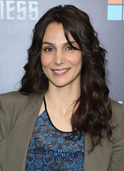 Annie Parisse showed off her lovely long dark curls at the 'Star Trek Into Darkness' screening in NYC.