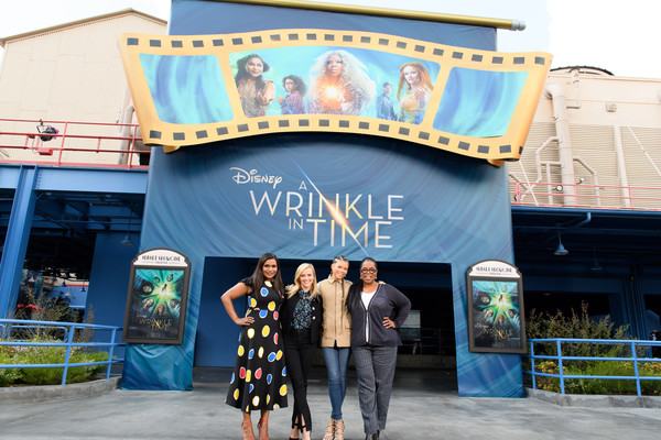 More Pics of Mindy Kaling Print Dress (1 of 5) - Dresses & Skirts Lookbook - StyleBistro [a wrinkle in time,film,handout photo,tourism,architecture,vacation,leisure,travel,building,recreation,plant,facade,house,fans,stars,actresses,disneyland,disney resort,disney,stars]