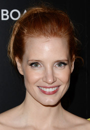 Jessica Chastain worked a retro vibe with this loose bun at the National Board of Review Awards.