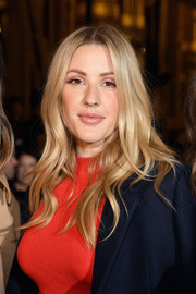 Ellie Goulding framed her face with soft waves for the Stella McCartney fashion show.