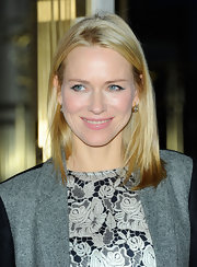 Naomi Watts wore her hair in a simple sleek mid-length bob at the opening of the Stella McCartney store in Soho.