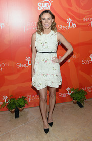 Keltie Knight looked prim at the Inspiration Awards in a white ruffle dress with delicate floral embroidery.