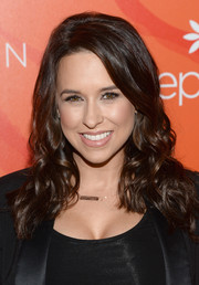 Lacey Chabert attended the Inspiration Awards wearing her hair in loose side-parted curls.