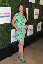 Joely Fisher chose a tropical-print green and navy frock for the Inspiration Awards.