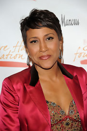 Robin Roberts wore her hair in a pixie for the Steve Harvey Foundation gala.