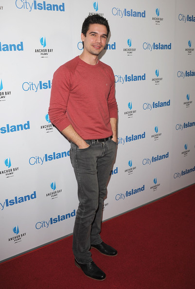 Steven Strait Clothes