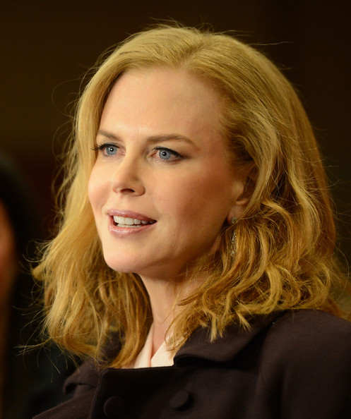 More Pics of Nicole Kidman Dangling Gemstone Earrings (1 of 59) - Dangle Earrings Lookbook - StyleBistro