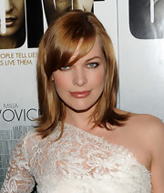 Milla showed off her newly lightened medium length locks while hitting the premiere of 'Stone'.