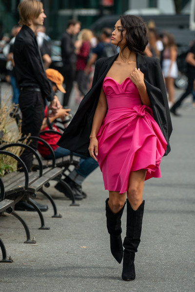 Shanina Shaik topped off her dress with a black blazer.