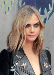 Cara Delevingne framed her face with edgy waves for the European premiere of 'Suicide Squad.'