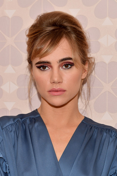 Suki Waterhouse Cat Eyes [hair,beauty,eyebrow,hairstyle,human hair color,fashion model,blond,forehead,chin,fashion,suki waterhouse,fashion,hair,hairstyle,model,new york city,kate spade new york,new york fashion week,kate spade new york fashion show,fashion show,suki waterhouse,new york city,new york fashion week,actor,2018,2018 met gala,fashion,fashion show,model]