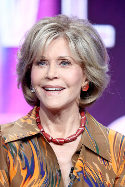 Jane Fonda wore her hair in a textured bob at the Summer 2018 TCA Press Tour.