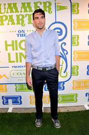Zachary looked summery chic with a pair of dark blue pants.