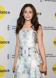 Emmy Rossum paired a pearlized box clutch by Edie Parker with a charming print dress for the Sundance Institute Vanguard Leadership Award.