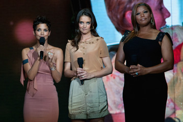 Katie Holmes Queen Latifah Surprise Oprah! A Farewell Spectacular