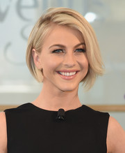 Julianne Hough kept it sweet with this side-parted bob at the 'Swirl' dance-off.