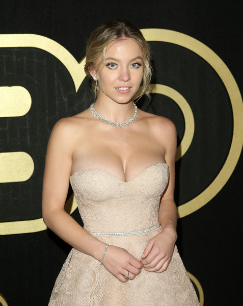 Sydney Sweeney Tennis Bracelet [clothing,dress,blond,beauty,hairstyle,lip,lady,shoulder,strapless dress,fashion,arrivals,sydney sweeney,post emmy awards,the plaza,los angeles,california,pacific design center,hbo,reception,post emmy awards reception]