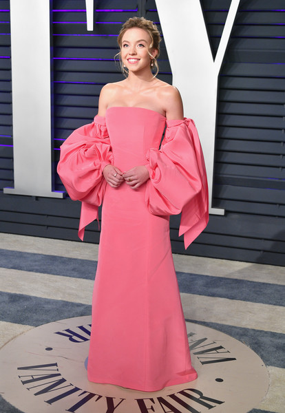 Sydney Sweeney Off-the-Shoulder Dress [clothing,shoulder,pink,dress,fashion,lady,fashion model,beauty,gown,haute couture,dress,party dress,cocktail dress,radhika jones - arrivals,sydney sweeney,oscar,fashion,oscar party,vanity fair,party,oscar party,oscar party 2019,party,wedding dress,model,vanity fair,dress,party dress,fashion,cocktail dress]