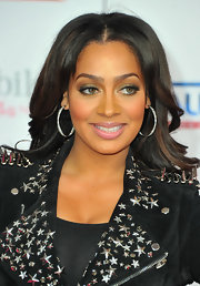 La La Anthony added more sparkle to her look with a pair of diamond hoops when she attended the NBA All-Star Game.