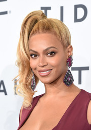 Beyonce Knowles channeled the '80s with this high side ponytail at the Tidal X: 1020 event.