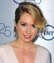 Sarah pinned back her ringlet curls into a delicate retro-inspired updo for the TNT 25th Anniversary Party.