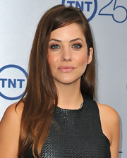 Julie Gonzalo's sleek straight hair complemented her contemporary look at the TNT 25th Anniversary Party.