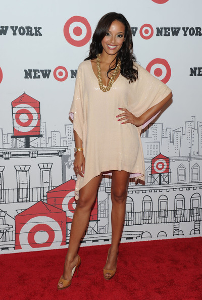 More Pics of Selita Ebanks Long Wavy Cut (1 of 6) - Selita Ebanks Lookbook - StyleBistro