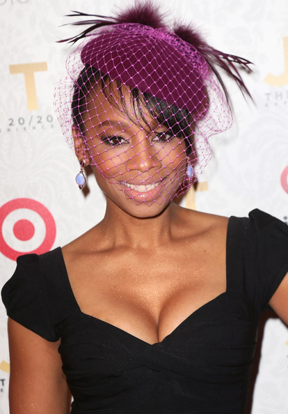 More Pics of Anika Noni Rose Little Black Dress (1 of 10) - Anika Noni Rose Lookbook - StyleBistro