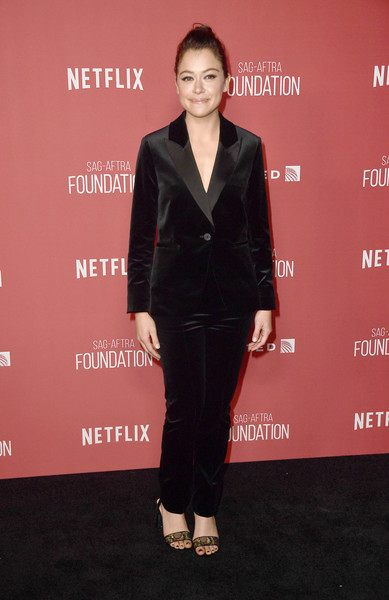 Tatiana Maslany Pantsuit [formal wear,suit,flooring,tuxedo,carpet,outerwear,fashion,gentleman,little black dress,red carpet,sag-aftra foundation patron of the artists awards 2017 - arrivals,wallis annenberg center for the performing arts,beverly hills,california,tatiana maslany]