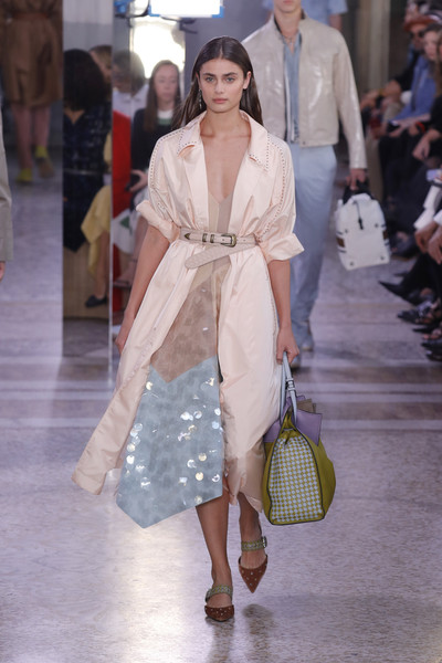 Taylor Hill Studded Heels [fashion model,fashion,fashion show,white,clothing,runway,shoulder,haute couture,dress,outerwear,bottega veneta - runway,runway,milan,italy,bottega veneta,taylor hill,milan fashion week,show,milan fashion week spring]