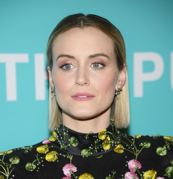 Taylor Schilling Pink Lipstick [the public,hair,face,eyebrow,hairstyle,lip,beauty,chin,cheek,fashion,forehead,taylor schilling,new york,new york public library,a schwartzman building,premiere,new york premiere]