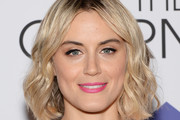 Taylor Schilling Pink Lipstick