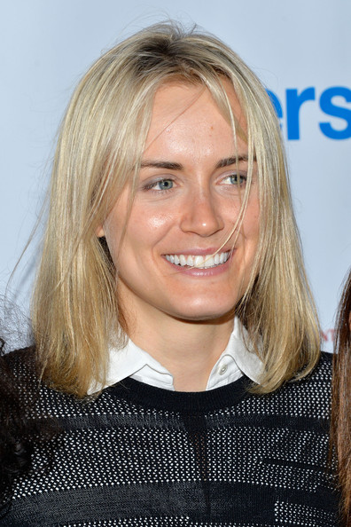 Taylor Schilling Mid-Length Bob [hair,blond,face,hairstyle,eyebrow,chin,layered hair,smile,long hair,surfer hair,taylor schilling,new york city,gansevoort,upfronts party,gersh new york,asellina]