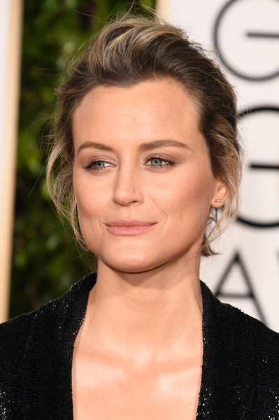 Taylor Schilling Messy Updo [hair,face,eyebrow,hairstyle,lip,chin,beauty,blond,forehead,skin,arrivals,taylor schilling,beverly hills,california,beverly hilton hotel,golden globe awards,annual golden globe awards]