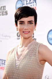 Victoria Summer sported a perfectly styled pixie while hosting a Teen Cancer America benefit.