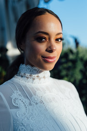 Amber Stevens West pulled her hair back into a classic ponytail for the Ted Baker London A/W '18 launch event.