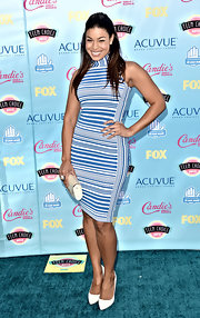 Jordin Sparks chose a pretty blue-and-white striped turtleneck dress for her figure-flattering blue carpet look at the 2013 Teen Choice Awards.