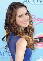 Laura opted for pretty loose waves and a delicate side braid for the Teen Choice Awards.