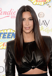 Kim Kardashian went for sleek styling with this straight, center-parted 'do at the Teen Choice Awards.