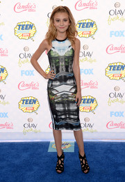 G. Hannelius sheathed her slim figure in a symmetrical-print dress by Topshop for the Teen Choice Awards.