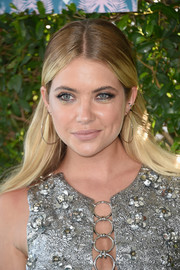 Ashley Benson contrasted her heavy eye makeup with nude lipstick.