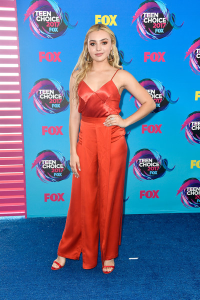 Peyton List was classic and sexy in a red silk cami by Bec & Bridge at the 2017 Teen Choice Awards.