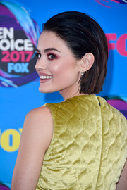 Lucy Hale sported a slicked-back bob at the 2017 Teen Choice Awards.