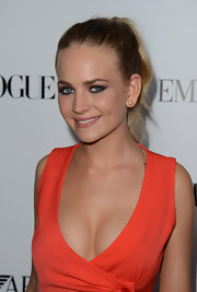 Britt Robertson went for a fresh look with this ponytail at the Young Hollywood Party.